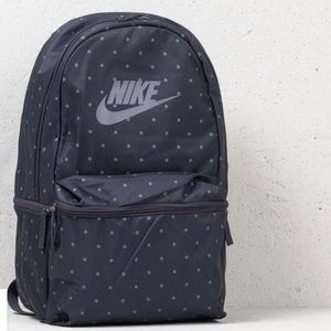 NIKE HERITAGE BACKPACK 26L NEW WITH TAGS